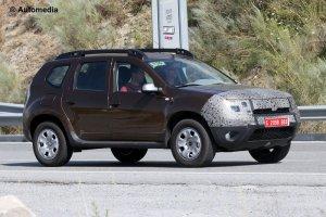 Обновленный Renault/Dacia Duster вновь примерил роль фотомодели
