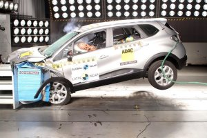 Первый краш-тест аналога российского кроссовера Рено Каптур (Renault Kaptur)