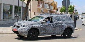 Рено (Renault) анонсировал премьеру Duster нового поколения