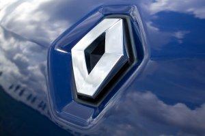 Рено (Renault) снизила цены на кузовные части в России